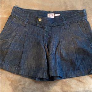 Juicy shorts